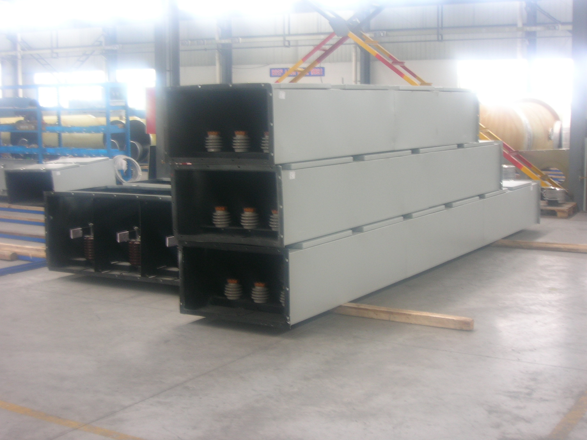 Non Segregated Phase Bus Nspb And Segregated Phase Bus Spb Duct